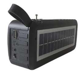Parlante Bluetooth radio con panel solar