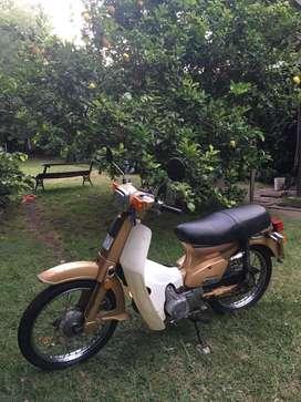 honda c90 dorada