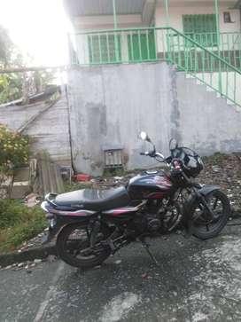 Se vende moto discovery en buen estado