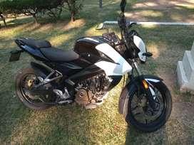 Permuto por auto gol o palio ... La moto está todo al día y anda impecable soy titular