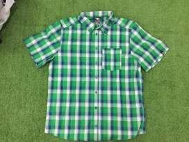 Camisas, camisetas, maletas y bolsos adidas, converse y chevignon