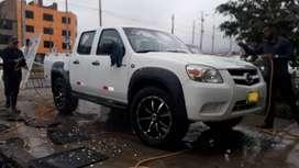 Vendo camioneta MAZDA BT50 AÑO 2010 ARO R20