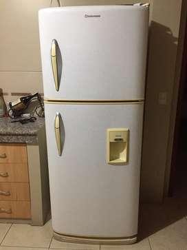 Refrigeradora Marca Indurama de 16 pies