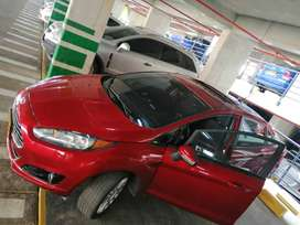 Vendo. Ford fiesta 2015.