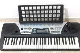 Vendo piano en buen estado, marca yamaha PSR 175