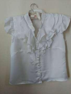 Camisa/blusa seda blanca con vuelos sin mangas Talle S