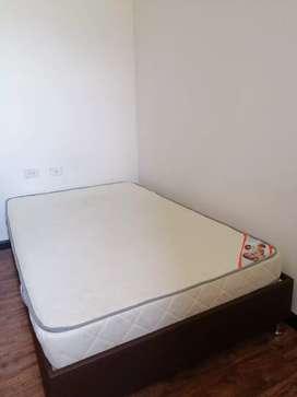 Venta de  base cama con colchón (semidoble)