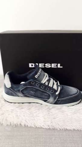 Zapatos deportivos para caballeros marca DIESEL tallas 40 y 40.5