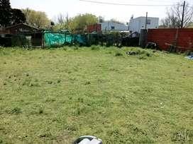 Terreno ubicado en esquina 10x20 buena ubicasion a 5 cuadras de jardin escuela primaria y secundaria vengoechea.malvinas