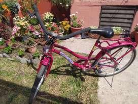 Bicicleta de paseo. Rod. 24 . Excelente estado