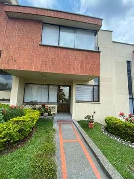 Vendo casa en PEREIRA en unidad cerrada