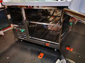 Vendo mesón refrigerado,congeladores  y vitrina refrigerada