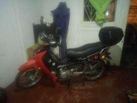 Vendo moto barata  solo le falta un repuesto